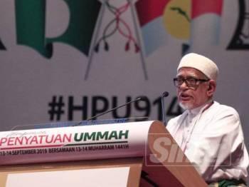 Abdul Hadi berucap pada Himpunan Penyatuan Ummah hari ini. -Foto Sinar Harian ZAHID IZZANI