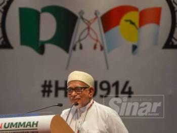 Abdul Hadi ketika berucap pada Himpunan Penyatuan Ummah di Pusat Dagangan Dunia Putra (PWTC) di sini hari. -Foto Sinar Harian SHARIFUDIN ABDUL RAHIM