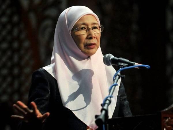 Dr Wan Azizah