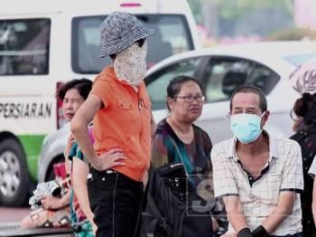 Indeks Pencemaran Udara (IPU) di Putrajaya catat bacaan tidak sihat 183 pagi tadi. - Foto ZAHID IZZANI