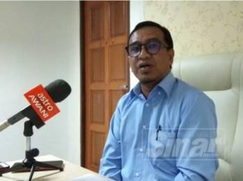 Zainol Fadzi ketika sidang media di pejabatnya di Bangunan Perak Darul Ridzuan hari ini.