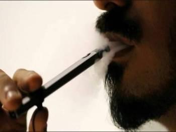 India mengenakan larangan terhadap rokok elektronik.- Gambar Hiasan