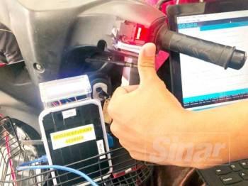 Fingerprint Bike Starter dicipta dua pelajar ini mampu menambah sistem keselamatan pada motosikal.