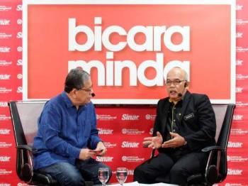 Shamshun Baharin (kanan) ketika program Bicara Minda Sinar Harian yang dikendalikan Tokoh Wartawan Negara, Tan Sri Johan Jaaffar. Foto: ASRIL ASWANDI SHUKOR
