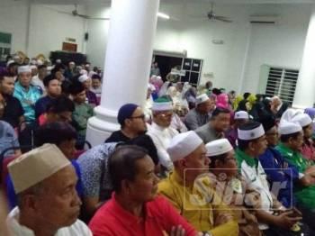 Antara yang hadir ceramah perpaduan ummah Muafakat Nasional Peringkat Negeri Selangor di Kompleks Tarbiah (Komta) Darul Hidayah, Dusun Tua di sini semalam.