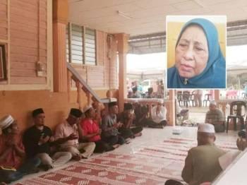 Majlis bacaan yasin dan tahlil diadakan di rumah ibu Allahyarham Dr Md Farid di Kampung Serkat Laut hari ini. Gambar kecil: Normah