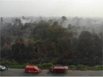 Tinjauan dari udara kebakaran hutan seluas 25 hektar yang berlaku di Kampung STC, Sri Aman baru-baru ini.