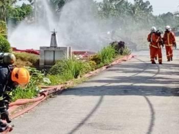 Tiada bahan berbahaya direkodkan susulan tumpahan bahan kimia yang berlaku di Kampung Parit Mentara 3 di sini semalam.