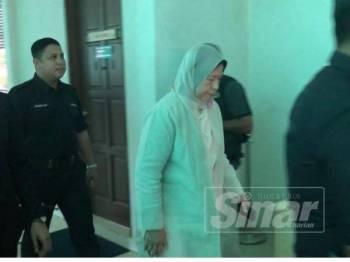 Zuraida ketika hadir mengikuti keputusan Inkues Kematian Muhammad Adib Mohd Kassim di sini hari ini. -Foto Sinar Harian