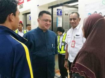 Raja Muda Perlis, Tuanku Syed Faizuddin Putra Jamalullail berkenan meluangkan masa berbual bersama keluarga Mohd Shukri.