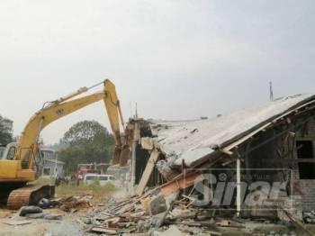 Struktur rumah yang dirobohkan di Sungai Chinchin Gombak hari ini.