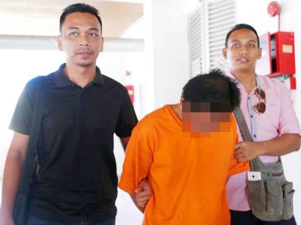 Tertuduh berusia 41 tahun mengaku salah merogol, melakukan seks luar tabii dan menghasilkan video pornografi anak kandungnya yang juga seorang OKU di Mahkamah Sesyen Kuala Terengganu hari ini.