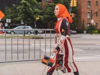 ANTARA penampilan Neelofa ketika memenuhi undangan acara fesyen di New York, Amerika Syarikat dan Milan di Itali baru-baru ini.