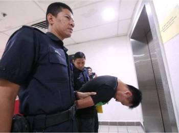 Tertuduh, Muhammad Firdaus Wong Abdullah, 44, didakwa atas empat pertuduhan melakukan kesalahan seksual terhadap dua kanak-kanak masing-masing berusia lima dan tujuh tahun, di Mahkamah Sesyen di sini hari ini.