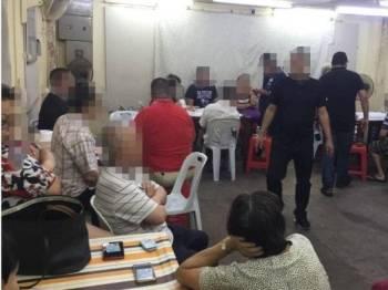 Antara yang ditahan dan diperiksa dalam Ops Dadu di sebuah premis di Jalan Pudu, Kuala Lumpur semalam.