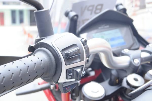 TURUT dilengkapi pelbagai kelengkapan elektronik yang mudah dicapai.
