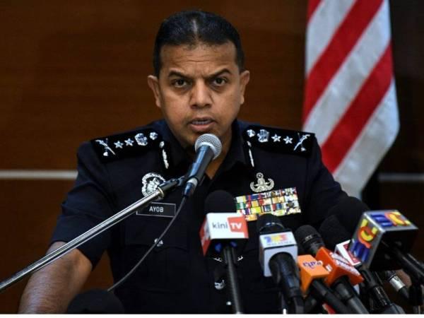 Ketua Penolong Pengarah Bahagian Counter Terrorism (E8) Cawangan Khas Bukit Aman, Datuk Ayob Khan Mydin Pitchay, pada sidang media hari ini.