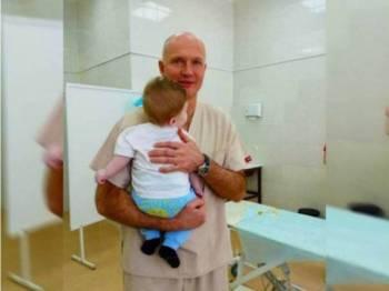 Bayi yang memerlukan satu lagi pembedahan dalam tempoh tiga bulan lagi bagi membolehkan dia menggunakan duburnya seperti biasa.