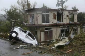 Sekurang-kurangnya 99 orang cedera dan 17 yang hilang akibat ribut yang berlaku.- FOTO: AFP