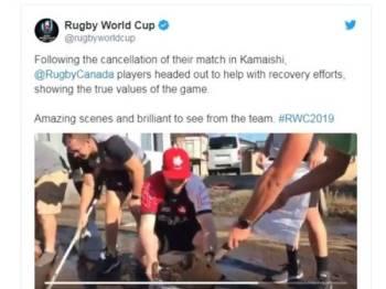 Pemain ragbi Kanada membantu pemulihan Kamaishi, Jepun berikutan pembatalan perlawanan mereka, ekoran ancaman Taufan Hagibis.- Foto Twitter Rugby World Cup