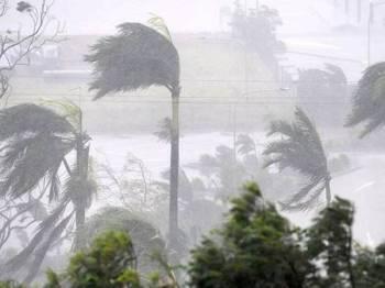 Cuaca di beberapa kawasan di Selangor, Kuala Lumpur dan Putrajaya diramal hujan dan ribut petir sehingga Isnin depan
