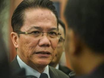 Menteri di Jabatan Perdana Menteri, Datuk Liew Vui Keong ketika ditemui di Parlimen hari ini. - FOTO SHARIFUDIN ABDUL RAHIM