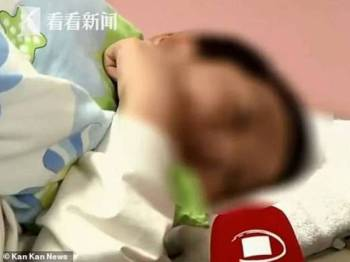 Ling Ling mendakwa terpaksa akur dengan arahan guru untuk makan sampah kerana terlalu takut.