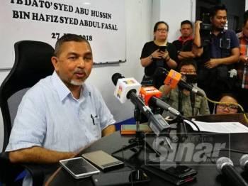 Syed Abu Hussin ketika mengadakan sidang media mengumumkan keluar UMNO pada 27 Jun 2018 lalu.