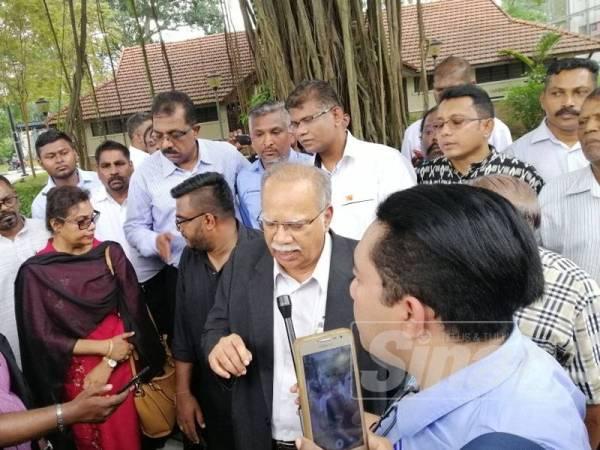 Ramasamy ketika ditemui pemberita di luar Ibu Pejabat Polis Bukit Aman, Kuala Lumpur hari ini