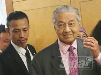 Perdana Menteri, Tun Dr Mahathir Mohamad ketika ditemui di lobi Parlimen di sini hari ini. - FOTO SHARIFUDIN ABDUL RAHIM