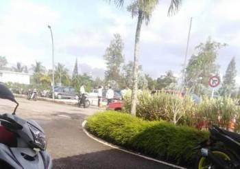 Lokasi mayat mangsa yang ditemui di dalam longkang di Hospital Jengka di sini hari ini. Foto: Facebook Suara Warga Jengka