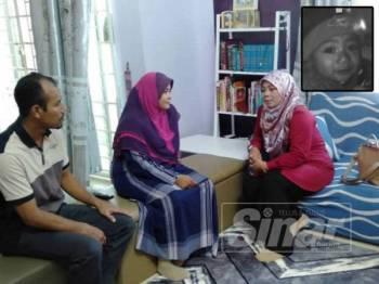 Halimaton Shaadiah (kanan) menziarahi ibu bapa mangsa hari ini. Gambar kecil: Nor Dina Kholid