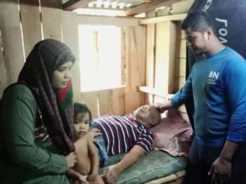 Affandi menguruskan bapa mentua yang mengalami strok dan lima adik ipar yang masih bersekolah.