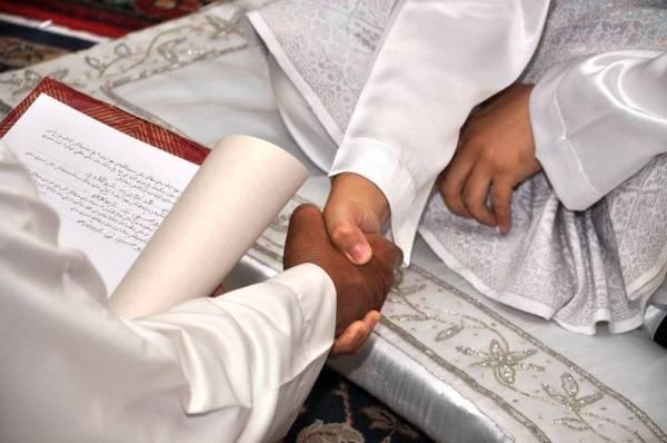 JODOH setiap orang ditentukan oleh ALLAH SWT sejak sebelum lahir lagi dan ia sudah pasti ada sebagaimana rezekinya.