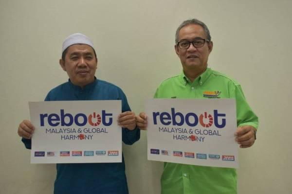 SUMAIRI (kiri) dan Zaini sama-sama memberi sokongan kepada kempen Reboot Malaysia.
