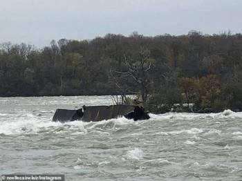 Pihak berkuasa Kanada mengsahkan bot berkenaan terperangkap di kawasan sama sejak 101 tahun lalu. - Foto Agensi