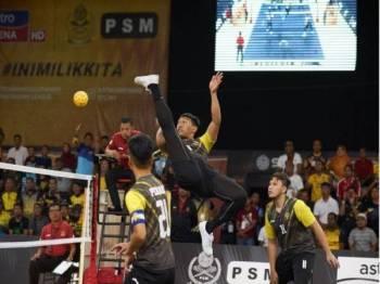 Antara aksi menarik pertemuan Perak Bison menentang Penang Black Panthers pada Liga Premier STL 2019. - Foto Sepak Takraw League