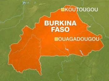 Serangan berlaku kira-kira 40 kilometer dari lombong emas Boungou di wilayah Tapo.