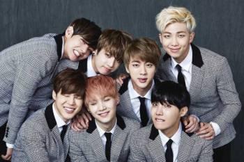 BTS menjadi artis Korea Selatan pertama menduduki carta Billboard 200 selama setahun mencatatkan satu lagi rekod dalam kerjaya mereka yang dipenuhi pelbagai kisah kejayaan.