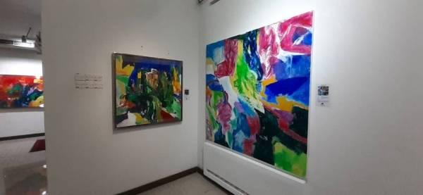 Pelbagai karya seni yang dihasilkan Razak yang mempunyai maksud yang tersendiri.