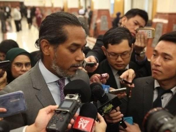 Khairy ketika ditemui wartawan di lobi Parlimen hari ini.