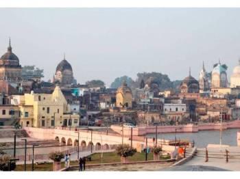 Pemandangan bandar Ayodhya yang menjadi kontroversi di India. - Foto Reuters