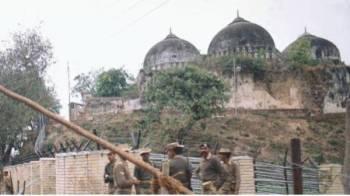 Keputusan mengenai kes hak milik tanah Masjid Babri-Ram Janmabhumi yang menamatkan perebutan dan persengketaan berpanjangan disambut baik penganut agama Hindu dan Islam India.