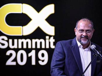 Gobind Singh ketika menyampaikan ucapan pada majlis CX Summit 2019 hari ini. - Foto Bernama