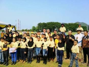 Ahmad Faizal (empat dari kanan) pada Sambutan Perayaan 100 Tahun Kelab Polo Iskandar di Iskandar Polo Club, Tambun hari ini.