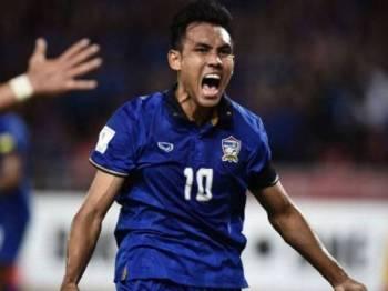 Teerasil Dangda bakal mengetuai jentera serangan Thailand ketika menentang Malaysia malam esok.