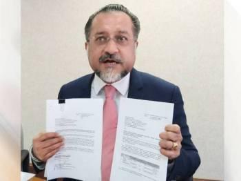 Jagdeep menunjukkan dua surat permohonan peruntukkan penyelenggaraan kepada KPKT yang dihantar kerajaan negeri beberapa bulan lalu.