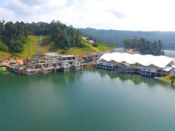 Pembinaan kawasan bebas cukai Pulau Bayas setakat ini sudah mencapai tahap 77 peratus melibatkan kos kira-kira RM200 juta.