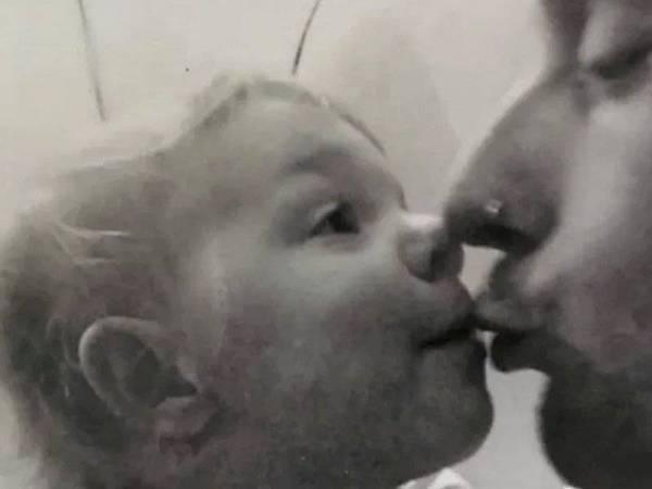 Dean Bird and dan anaknya, Eve Leatherland.