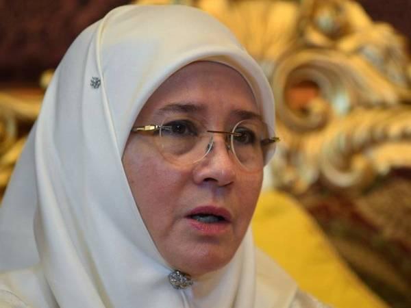 Tunku Azizah - Foto Bernama